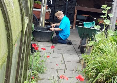 bloempotten schoonmaken