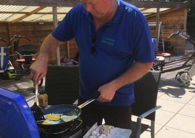 gebakken eitje bij de lunch